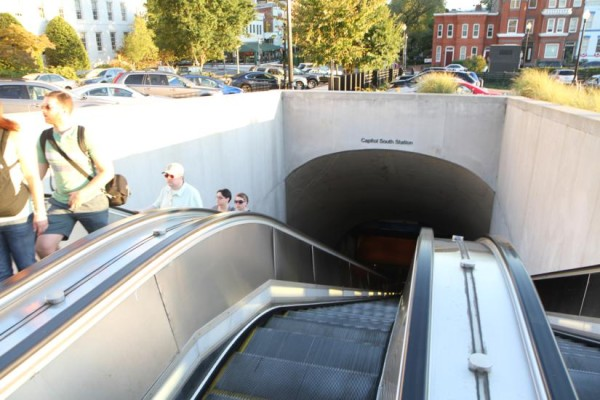 Capitol South Metro station entrance and escalators