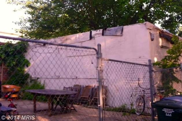 Garage behind 314 13th St. NE (Photo via Redfin)