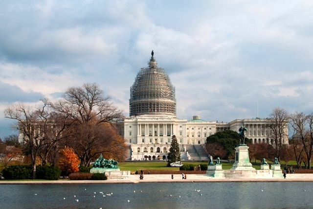 Capitol Building Scaffolding : Updated police reopen u s capitol after evacuation
