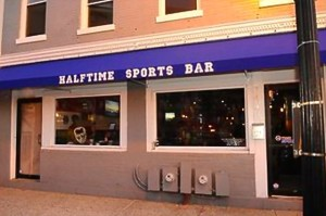 Halftime Sports Bar (Photo via Halftime Sports Bar)