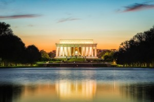 Lincoln Memorial (Photo via Flickr/justininsd)