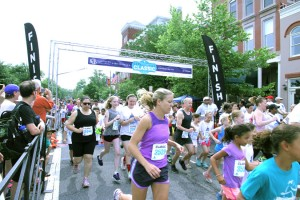 Capitol Hill Classic 3K runners