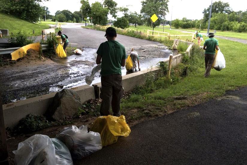 Anacostia Riverwalk volunteers (Photo via Anacostia Watershed Society)