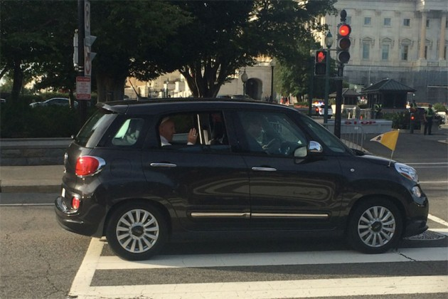 Pope Francis arrives on Capitol Hill. (Photo courtesy of Joshua Paz)