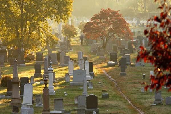 Congressional Cemetery in Fall (Photo via Congressional Cemetery)