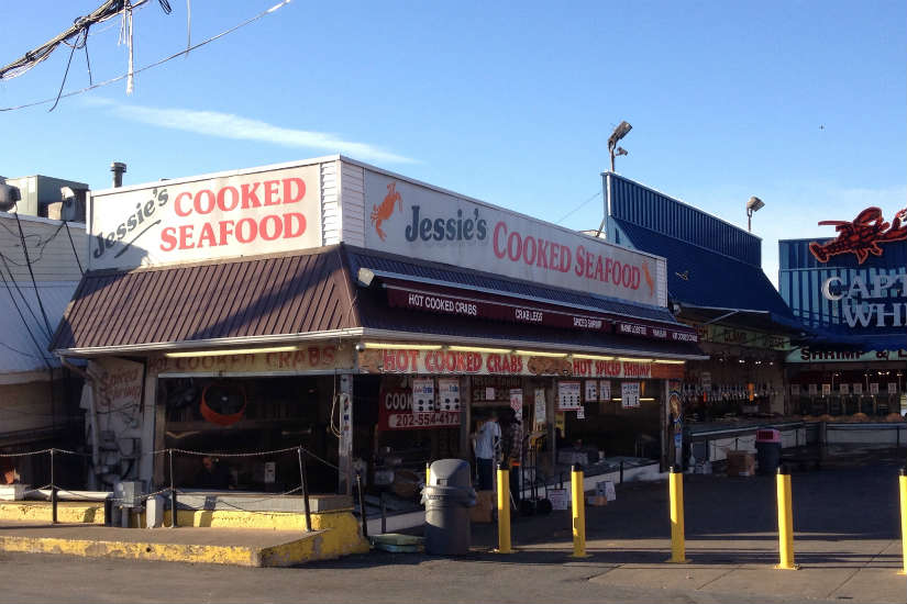 Maine avenue fish market eateries closed after minor fire for Maine fish market