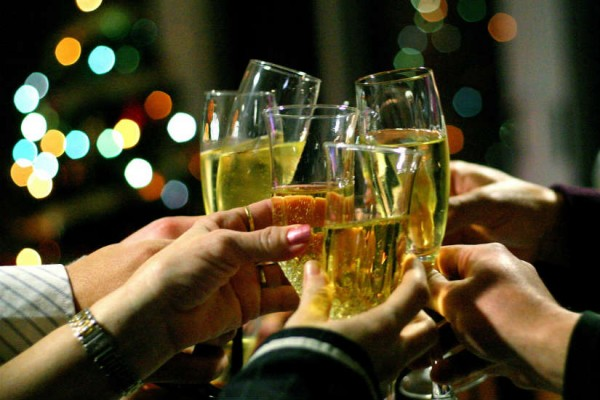Champagne toast (Photo via Flickr/ toniblay)